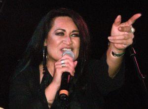 Annie Crummer in Concert